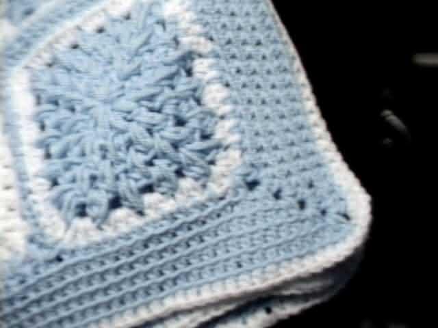 crochet blue corner