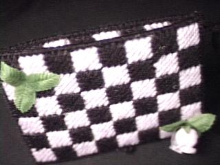 Checkerboard Tissue Holder side
