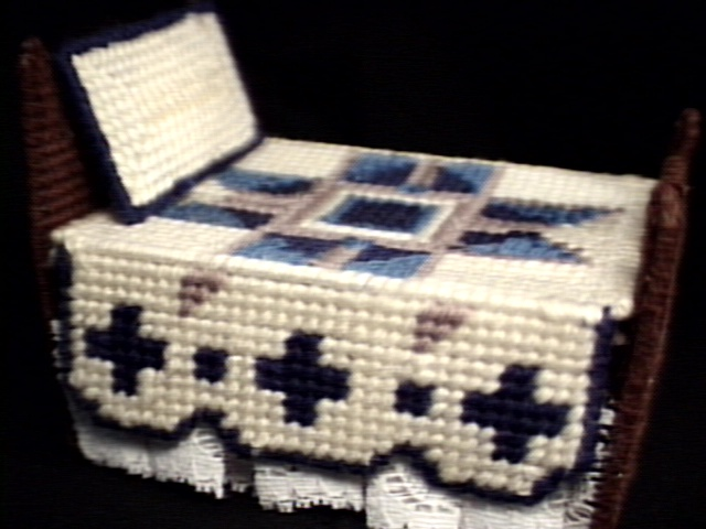 Doll bed right side